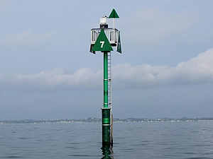 Navigational beacon in water